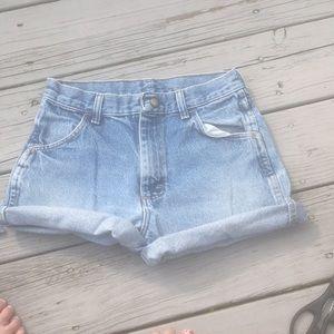 Vintage denim jean shorts 🕊